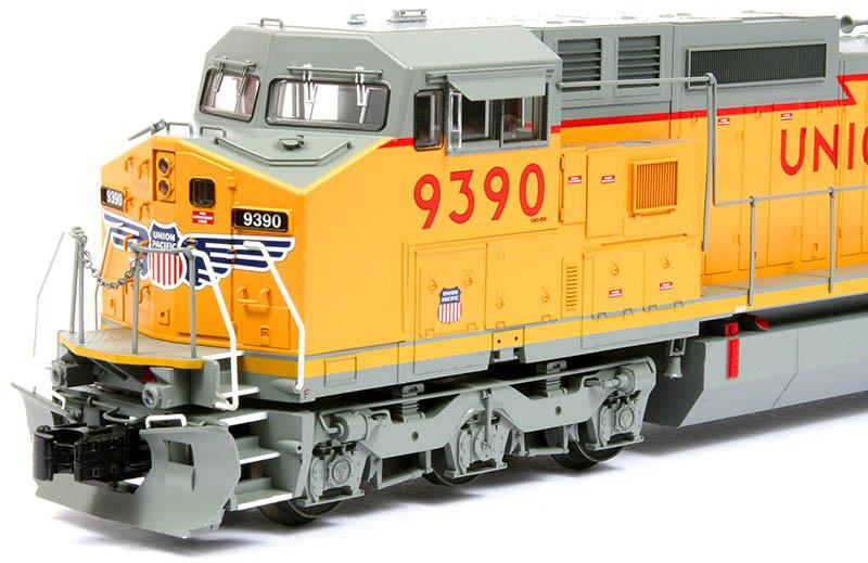 Atlas Trainman Dash 8-40CW in O Scale - Model Railroad News