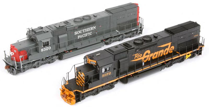 A Tale of Two Tunnel Motors: SD40T-2s from Athearn and ScaleTrains.com