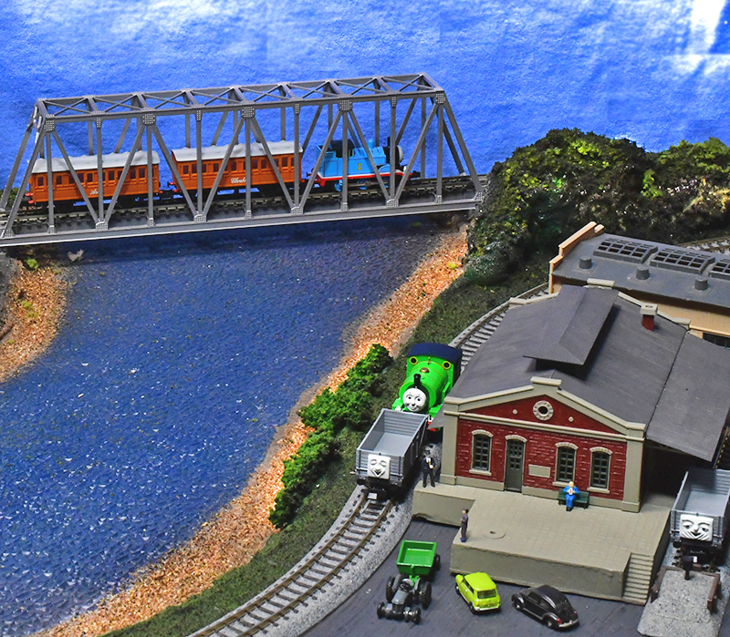 First Look at N-scale Thomas & Friends from Bachmann