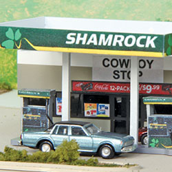 Shamrock gas station kit in N scale from Summit